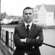 Wykład w przedmiocie umów w obrocie gospodarczym w ramach Studiów Podyplomowych Zarządzanie i Przedsiębiorczość w Wyższej Szkole Administracji i Biznesu w Gdyni.